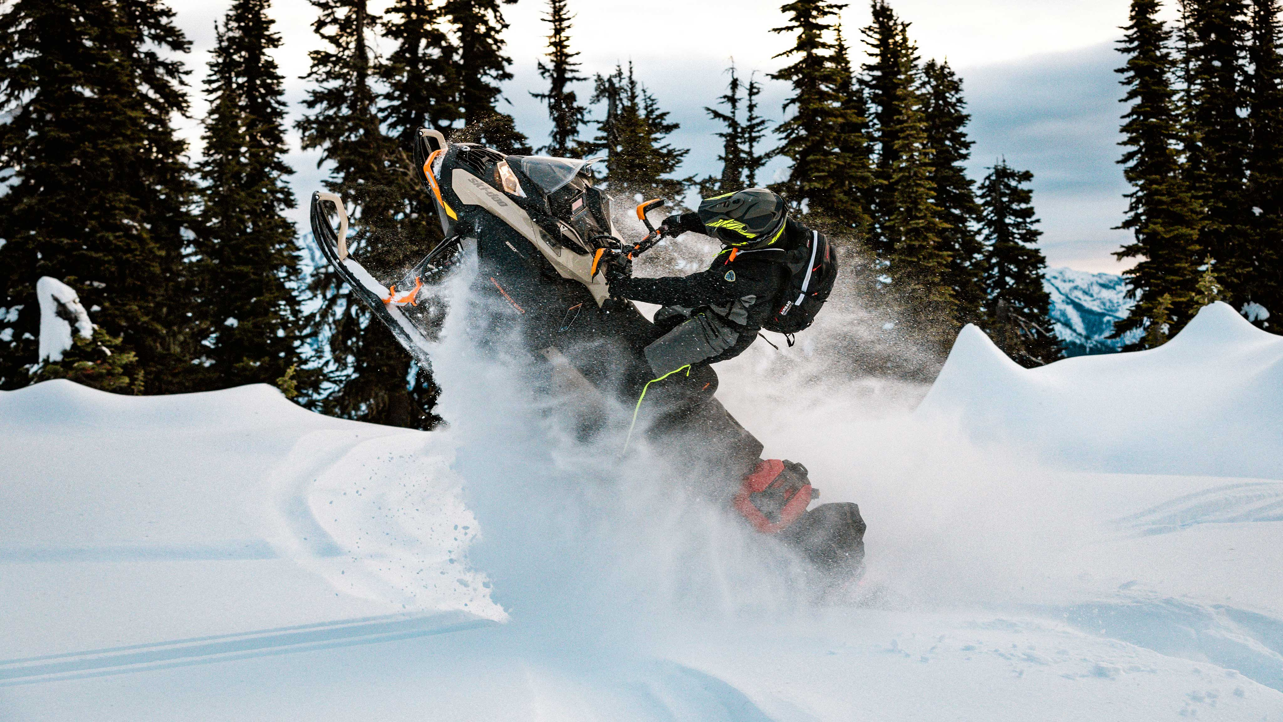 2022 Ski-Doo Expedition: wheelies in Deep-Snow