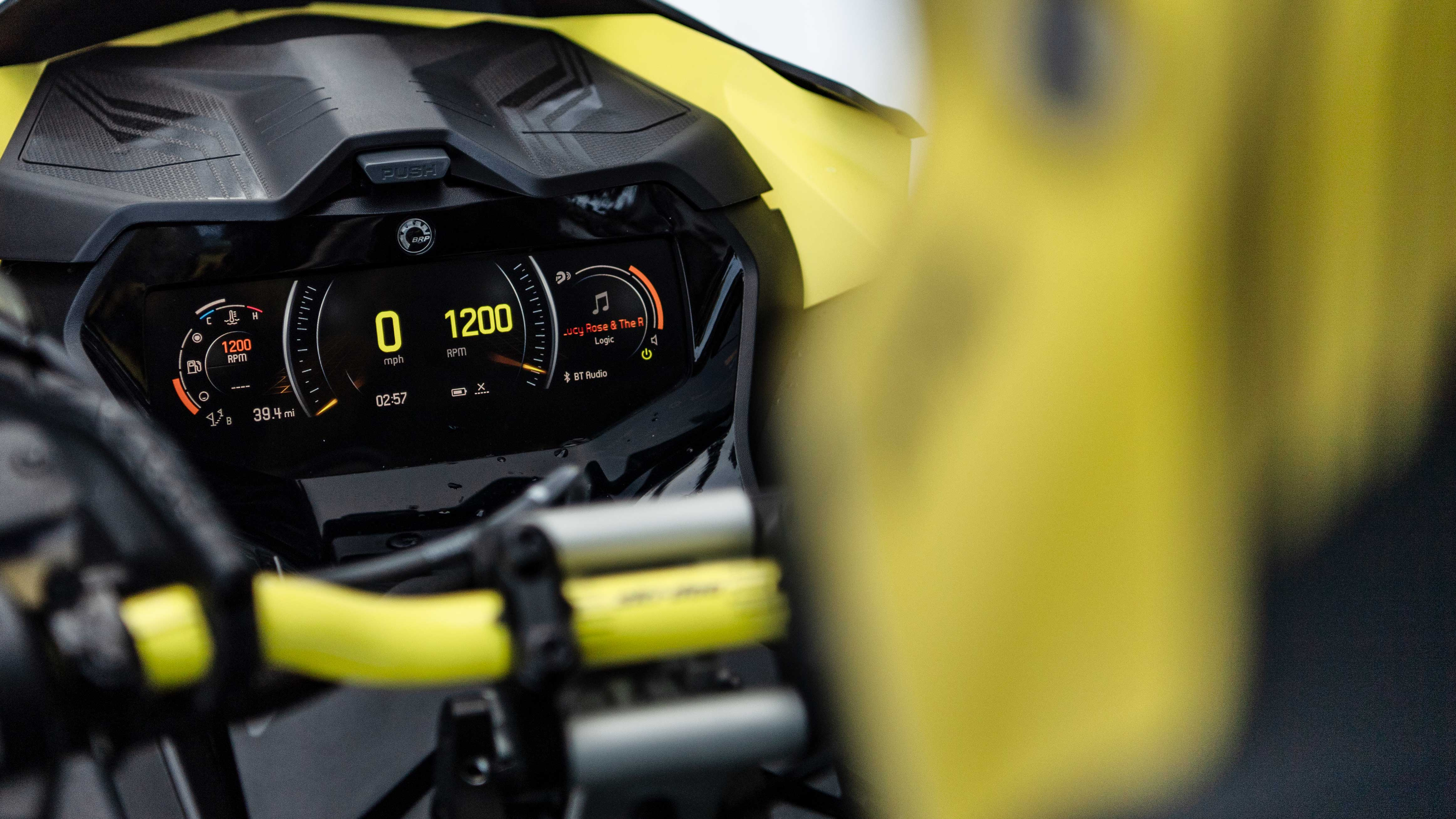 Ski-Doo full color gauge with BRP Connect compatibility