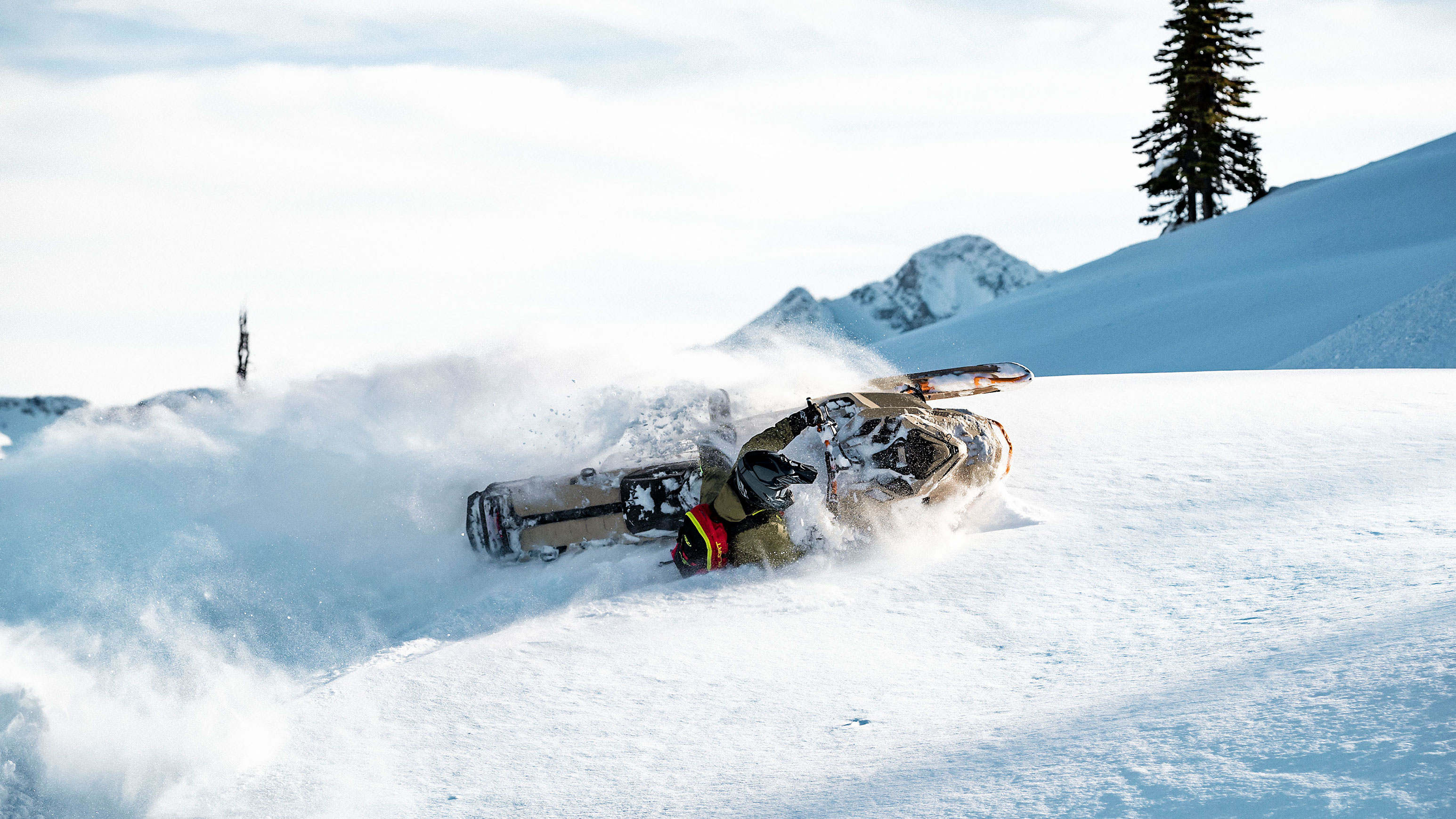 2022 Ski-Doo Freeride carving in Deep-Snow